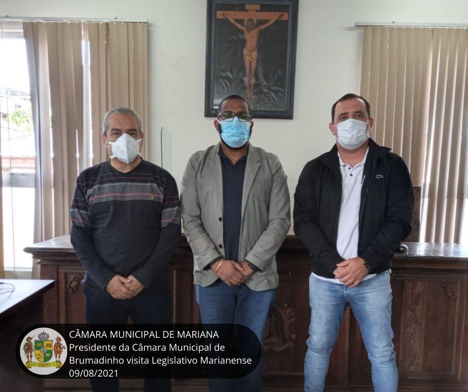 PRESIDENTE DA CÂMARA MUNICIPAL DE BRUMADINHO VISITA LEGISLAT