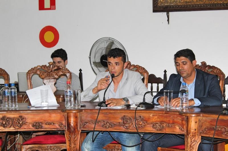 Vereadores debatem os assuntos da 35ª Reunião Ordinária.