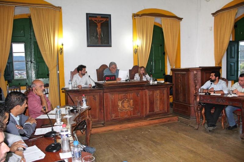 Vereadores debatem, também, o anúncio de corte da água pelo SAAE em função do não pagamento da TBO.