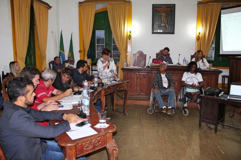Vereadores debatem os assuntos da 38ª Reunião Ordinária.