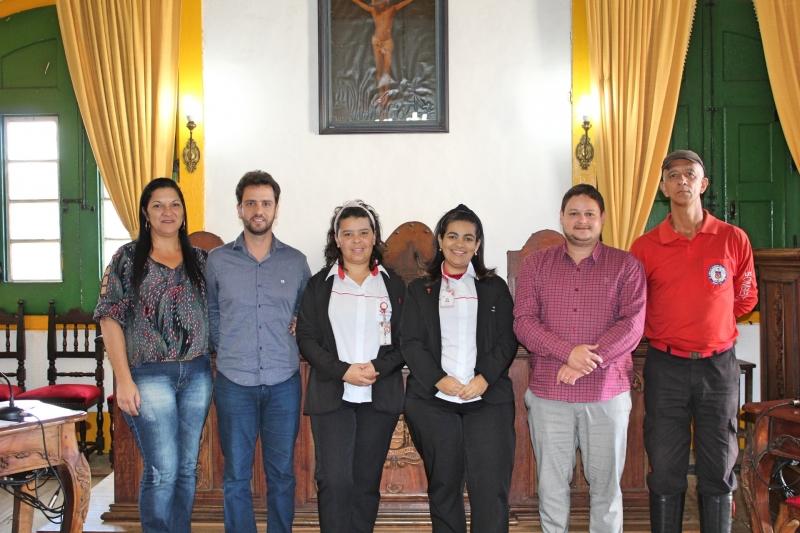 Participantes da reunião que debate ações de prevenção ao suicídio.