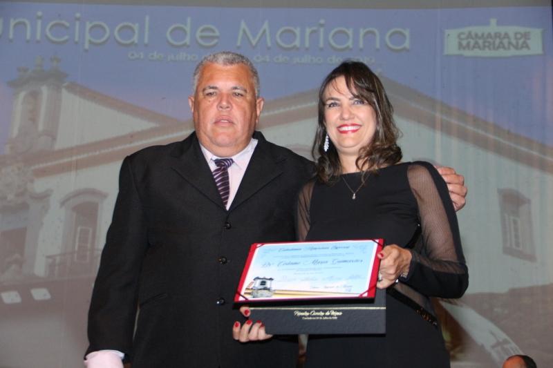 A juíza Cirlane Guimarães recebe a Cidadania Honorária Especial do vereador Edson Agostinho de Castro Carneiro (PPS)